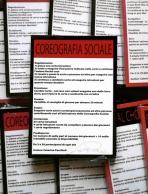 Caterina Pecchioli Titolo opera: Coreografia Sociale / Social Choreography, 2015 Tecnica: Gioco di carte / Installazione interattiva (Mazzo di carte istruzioni per l'attivazione dell'installazione interattiva) Contenuto: 27 carte istruzioni + 1 carta regolamento + 1 carta di autentica firmata dall'artista. Dimensioni mazzo: 10 x 14 x 1 cm Lingua: Italiano e Inglese Prezzo: 30€ RICHIEDI INFORMAZIONI: info@forwardforward.org