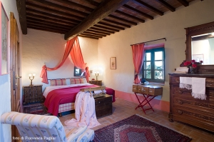 smeralda bedroom